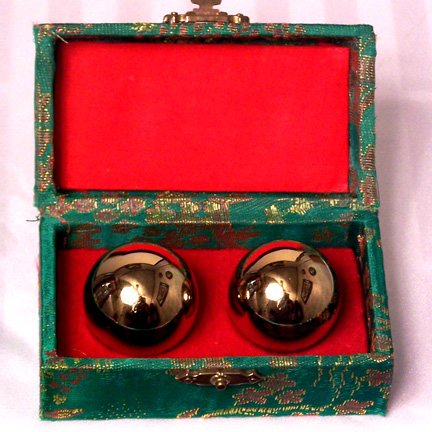 Emperors-Golden-Chinese-Stress-Balls-Chinese-Exercise-Balls-0